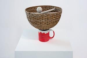 Pedro Barateiro, The Universe in a Cup, 2017. Courtoisie de l'artiste et de la Galerie Filomena Soares, Lisbonne. Photo : Francisco Ferreira
